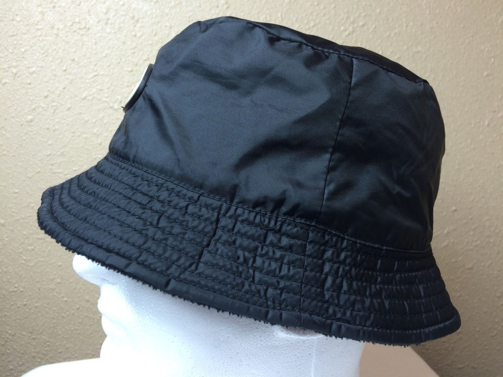 085fefe05f6 Guinness Draught Reversible Bucket Hat Poly Fleece Black Beer Rain