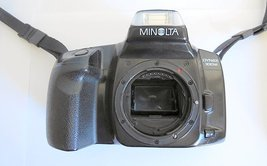Minolta Dynax 300si Maxxum 35mm Film Camera BODY Parts/Repair - $14.00