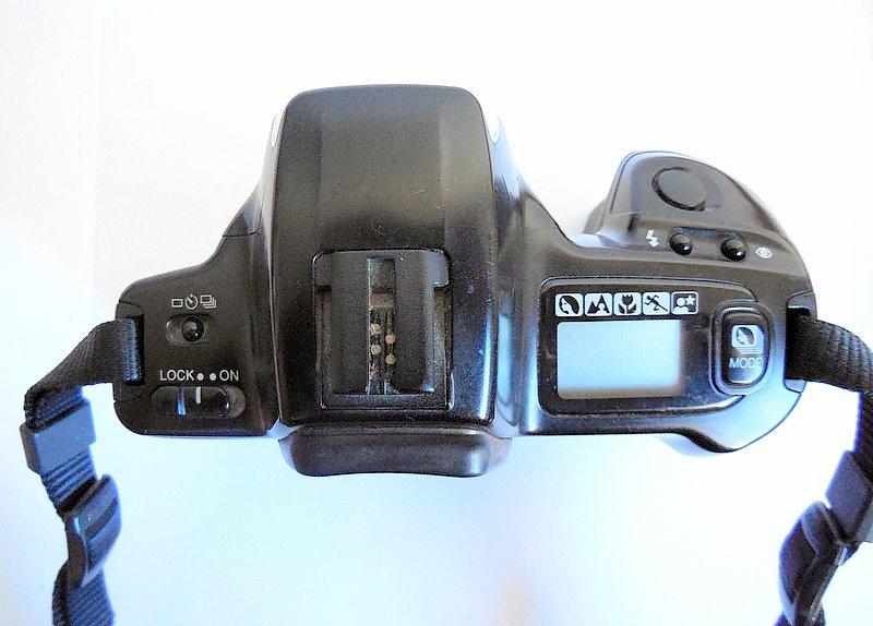 Minolta Dynax 300si Maxxum 35mm Film Camera BODY Parts/Repair