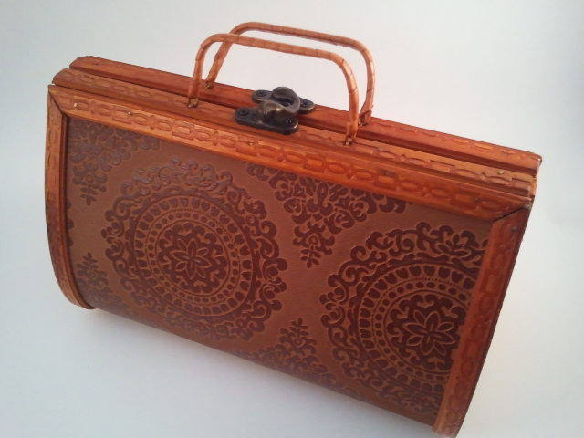 Primary image for Wood and Embossed Leather Purse