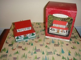 Hallmark 1999 Farm House Town And Country Series Ornament - $11.49