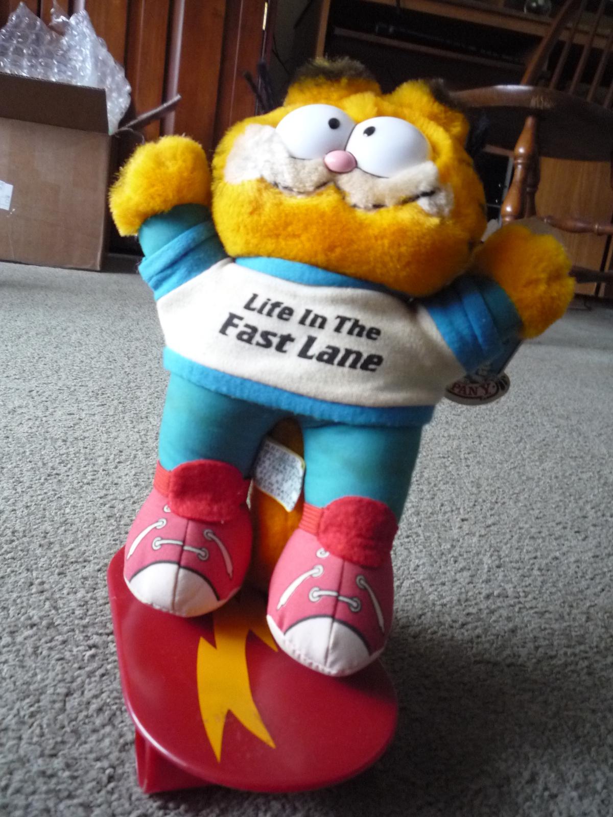 Garfield skateboard  2