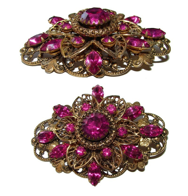 VINTAGE GORGEOUS FUCHSIA JEWELED VERY ORNATE BROOCH PIN