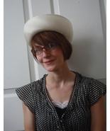 Vintage Dress Hat 60s 1960s Ivory Champagne Ret... - $38.00