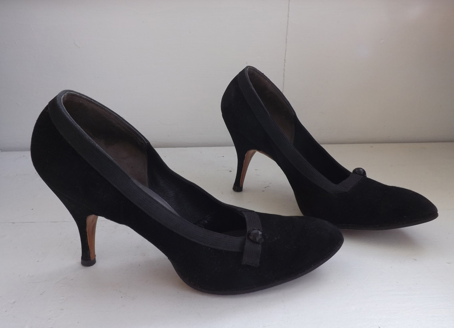 3729e6a4759d Vintage 1950s Shoes Black Heels 50s 6 Narrow and 50 similar items. Il  fullxfull.714698801 embb