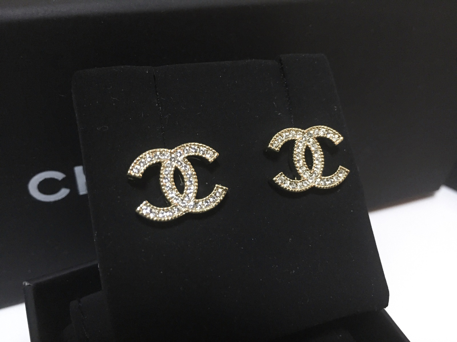 authentic chanel 2015 cc logo classic crystal gold stud