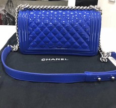 AUTHENTIC CHANEL BLuE PATENT QUILTED LEATHER PLEXIGLASS MEDIUM BOY FLAP BAG SHW image 2