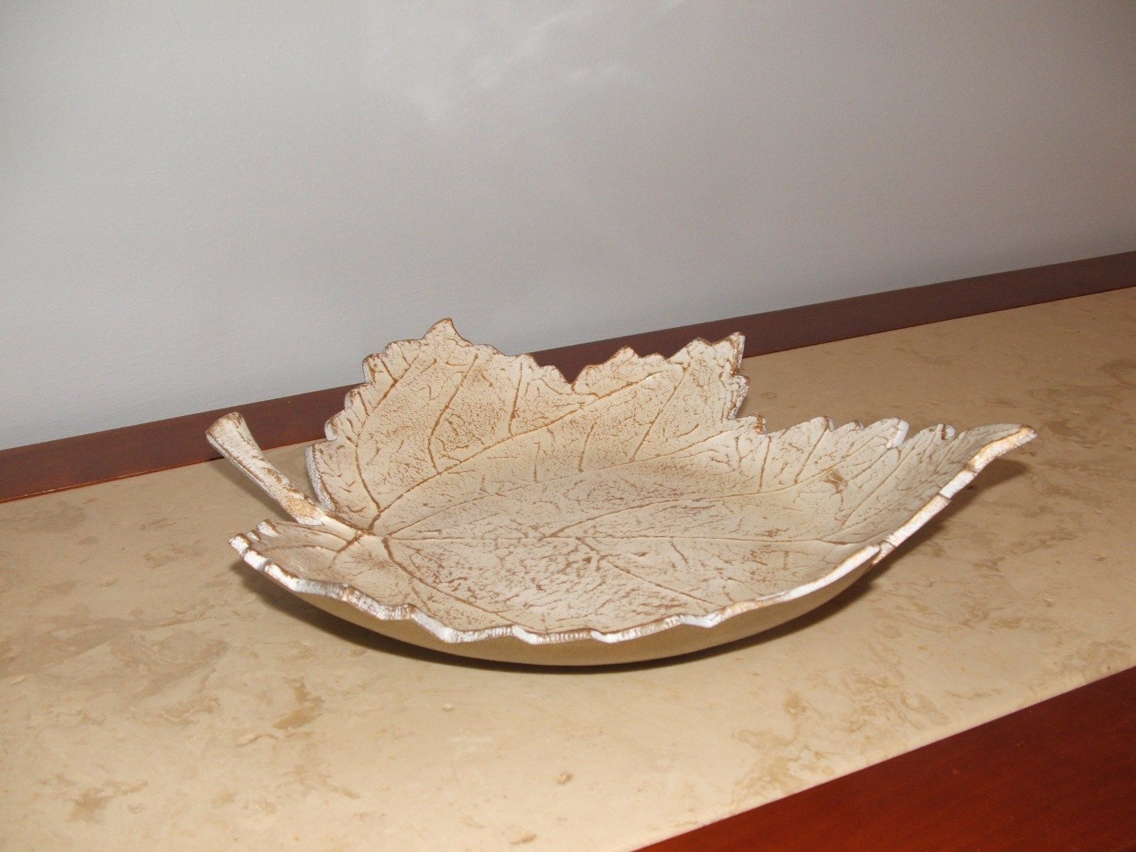 nwt pier 1 Maple Leaf  enamemed Serving Bowl dish