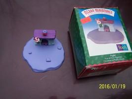 Merry Minatures Piglet Hallmark Christmas at Pooh's House 1999  - $3.00
