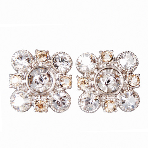 Authentic CHANEL Large Crystal CC LOGO Cluster Diamond Shaped PIERCE EARRINGS