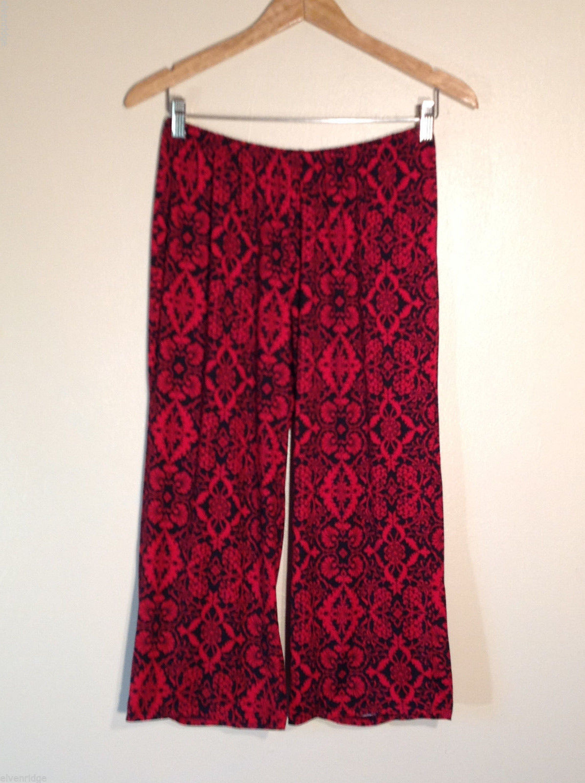 No Tag Women's S Red & Black Floral Capri Pajama Pyjama Bottoms Lounge Pants
