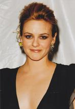 Alicia Silverstone Cute Earrings 4x6 Photo 53149 - $3.99