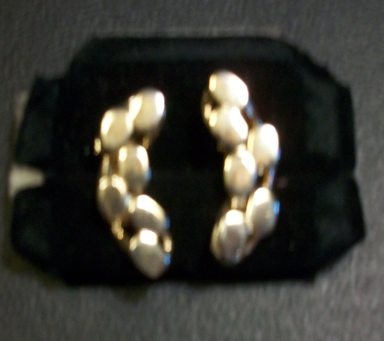 Pristine Shiny Goldtone Vintage Earrings - Clip-On