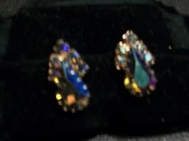 Vintage Amber to Plum Aurora Rhinestone Earrings - $12.00