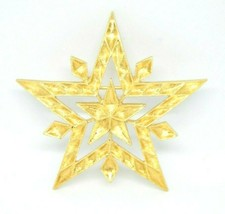 Monet Textured Gold Tone Large Star Brooch Vintage - $19.79