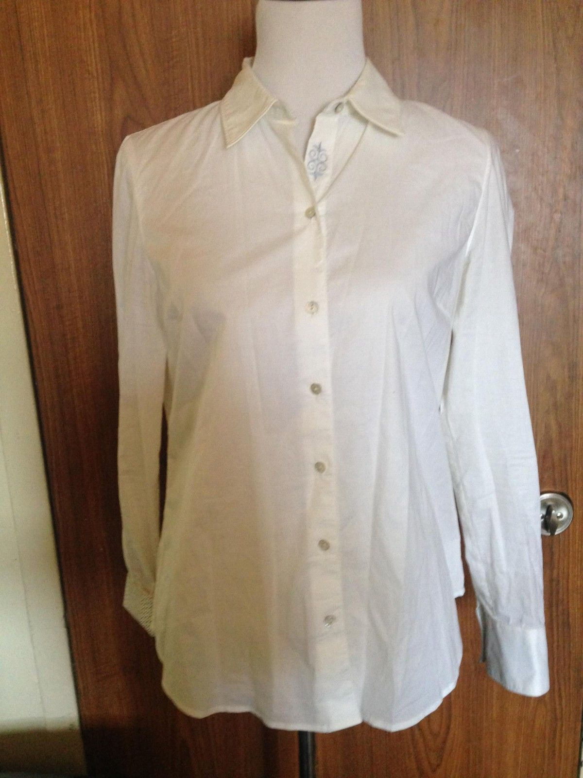 7656fb0b Robert Graham Slim Fit White Shirt Women's SZ M Made in India - $98.01