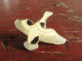 Goose or duck waterfowl lovers hunter hunting club shooting pin, in flight - $14.25
