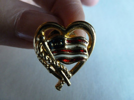 United States Of America Waving Flag Patriotic Collectible Heart Avon Pin - $14.25