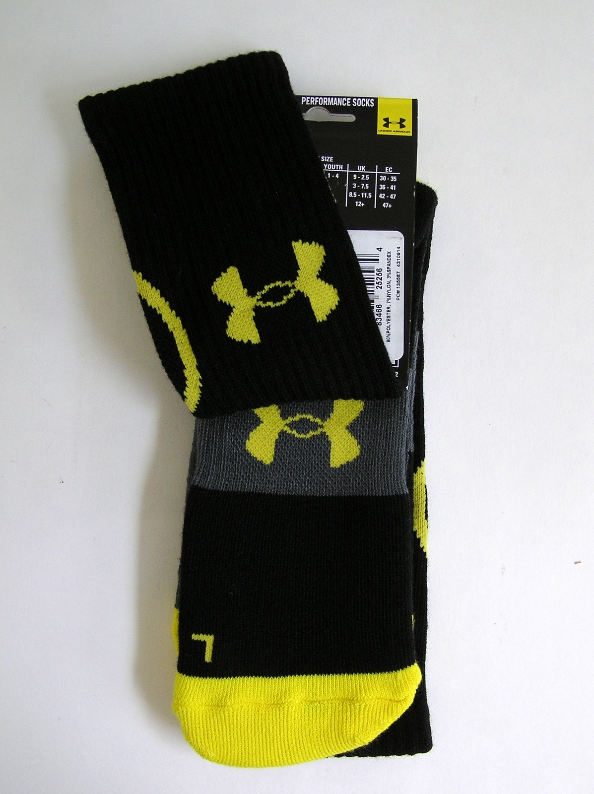 NWT Under Armour Performance Youth Over The Calf Socks Large 2 Pair Sz 1-4 Black