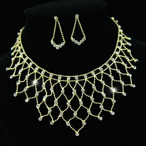Wedding Stylish Crystal Gold Plated Necklace Earrings Set  - $26.99