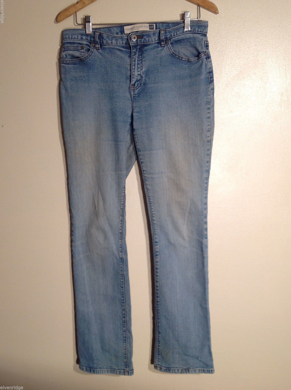 The GAP Women's Size 8 Regular Modern Bootcut Boot Cut Jeans Low to Medium Rise