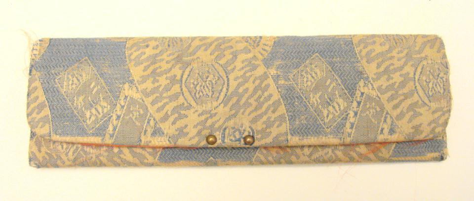 ANTIQUE JAPANESE COMB & SILK CASE
