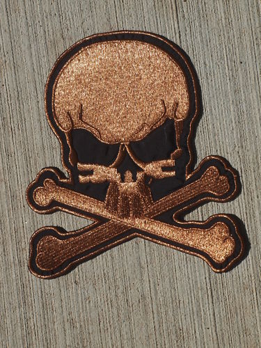 METTALLIC EMBROIDERED SKULL CROSS BONES PATCH