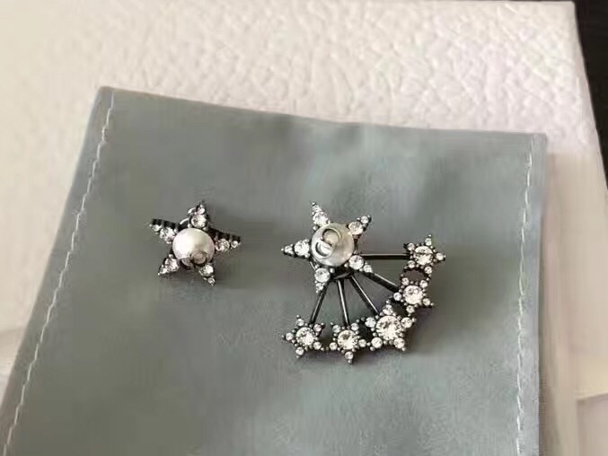 Authentic Dior L Atelier Du Cosmos Earrings Crystal Star 2017