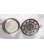 ORNATE MAGNIFYING GLASS PENDANT Antique Victorian NOUVEAU / Unmarked - $59.40