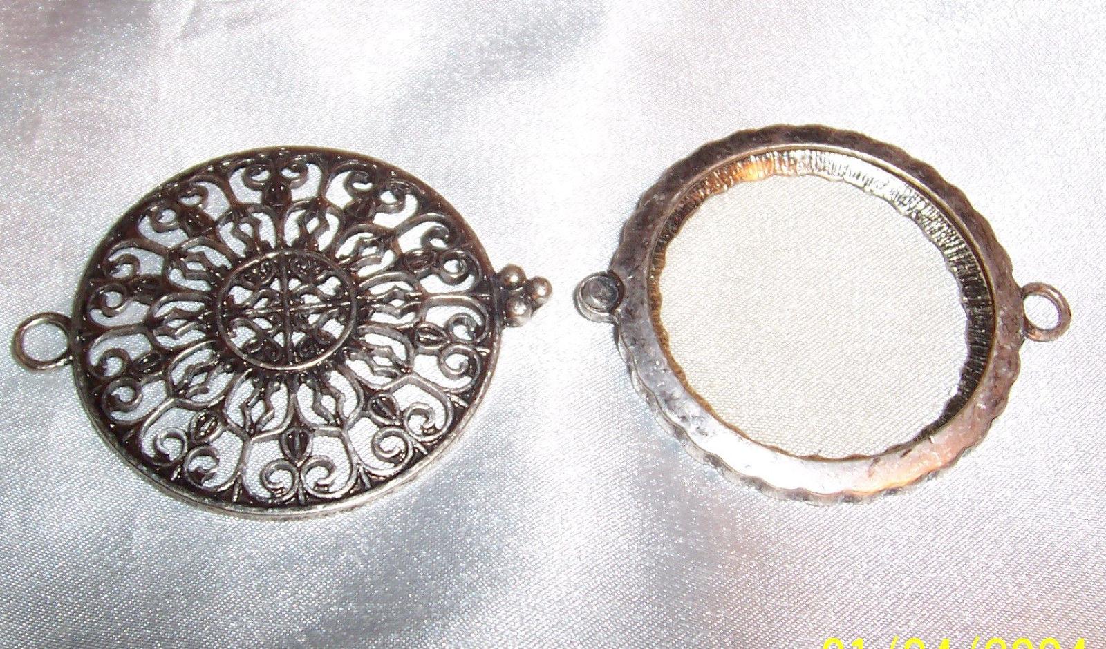 ORNATE MAGNIFYING GLASS PENDANT Antique Victorian NOUVEAU / Unmarked