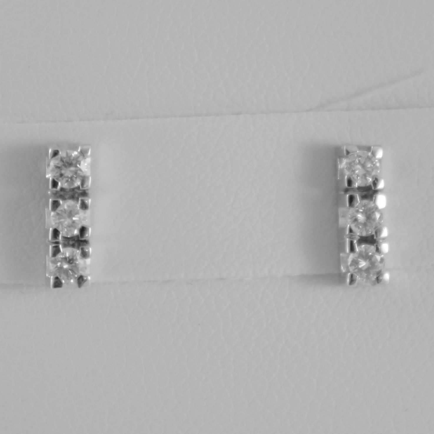 18K WHITE GOLD TRILOGY 9 mm EARRINGS ROUND DIAMONDS 0.30 CARATS, MADE IN ITALY