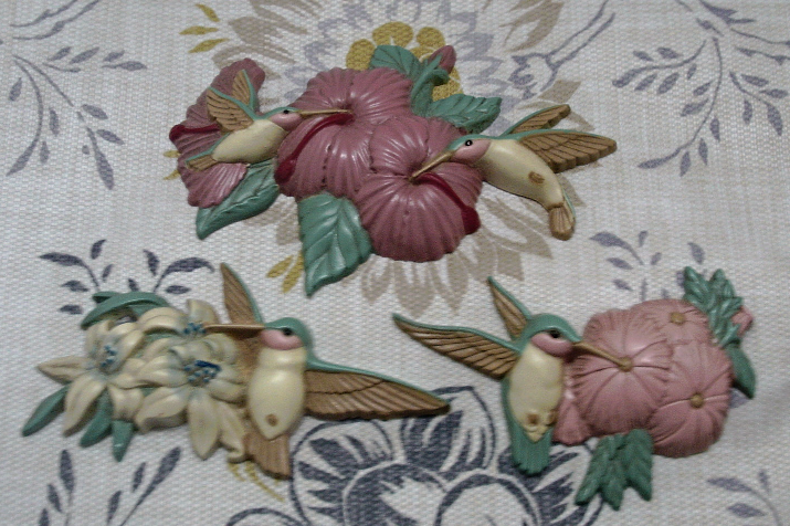 Vintage Burwood Product Co. Molded Plastic Hummingbird Wall Hangings