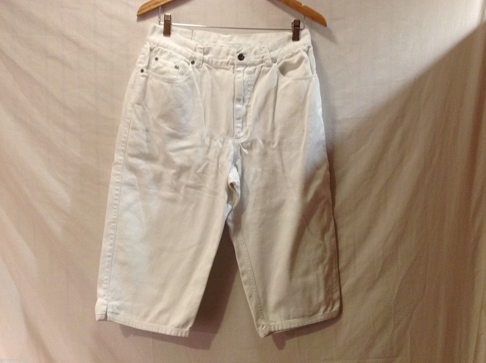 Womens Crazy Horse by Liz Claiborne White Denim Capris, Size 12