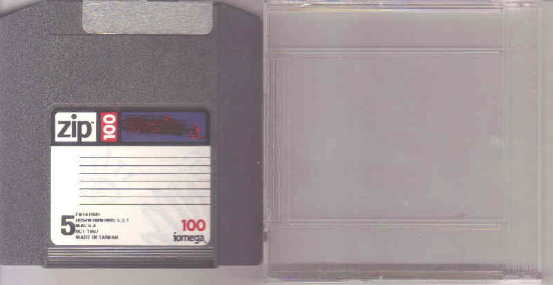 IOMEGA 100Mb ZIP disc with case -- EXCELLENT?