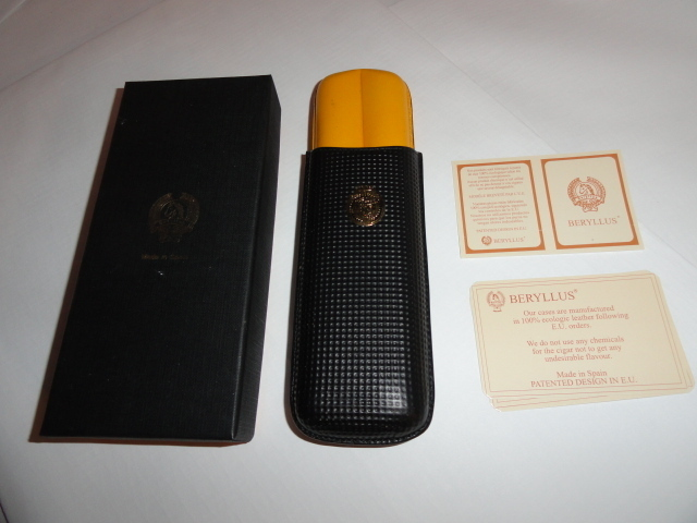 Beryllus  Black & Gold Leather Cigar Case holds 2 small size