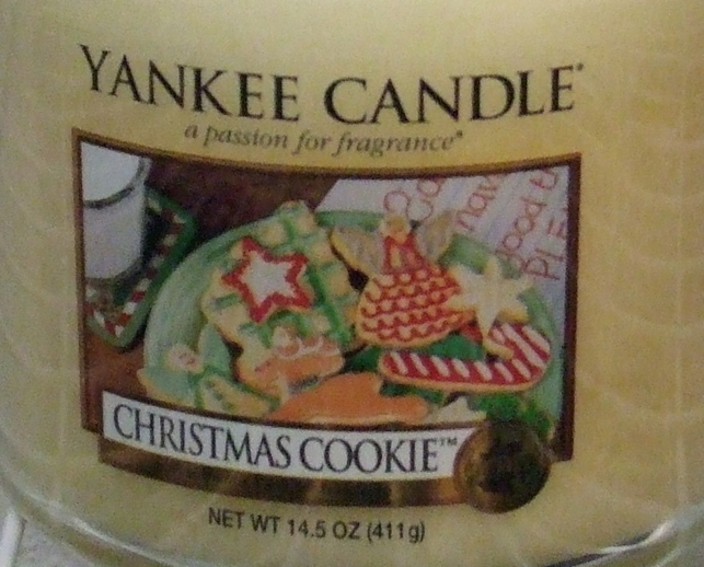 Yankee Candle New Christmas Cookie Medium Jar Candle 14.5 oz