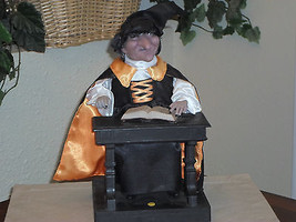 Halloween Animated Talking Witch with Spell Book Motionette Display Figure - €26,50 EUR