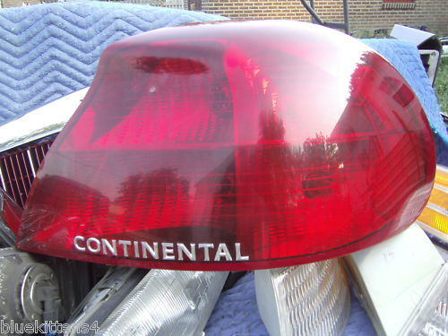 1998 1999 2000 CONTINENTAL RIGHT TAILLIGHT OEM USED LINCOLN PART