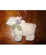 Lambkin Ornament Christmas Ceramic Creative Circle Flowers Lamb White #8492 - $25.25