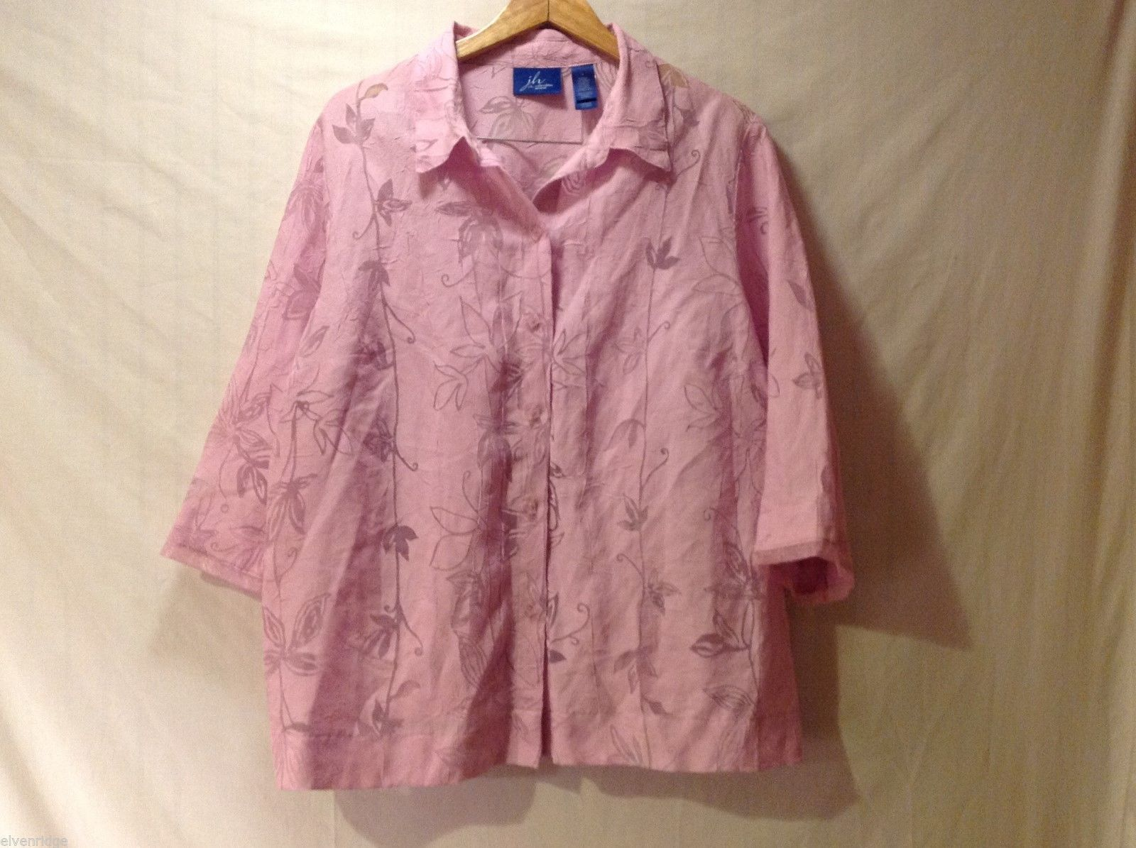 Womens J.H. Collection Pink Button Up Shirt w/ Floral Pattern, Size 3