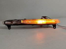 07 08 09 AUDI Q7 FRONT BUMPER RIGHT PASSENGER TURN SIGNAL LIGHT OEM - $112.49