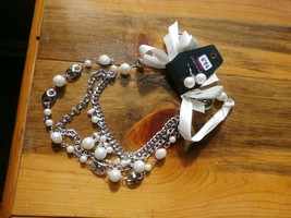 Paparazzi Long Necklace & Earring Set(New)Silver W/ Pearls & White Ribbon 592 - $7.69