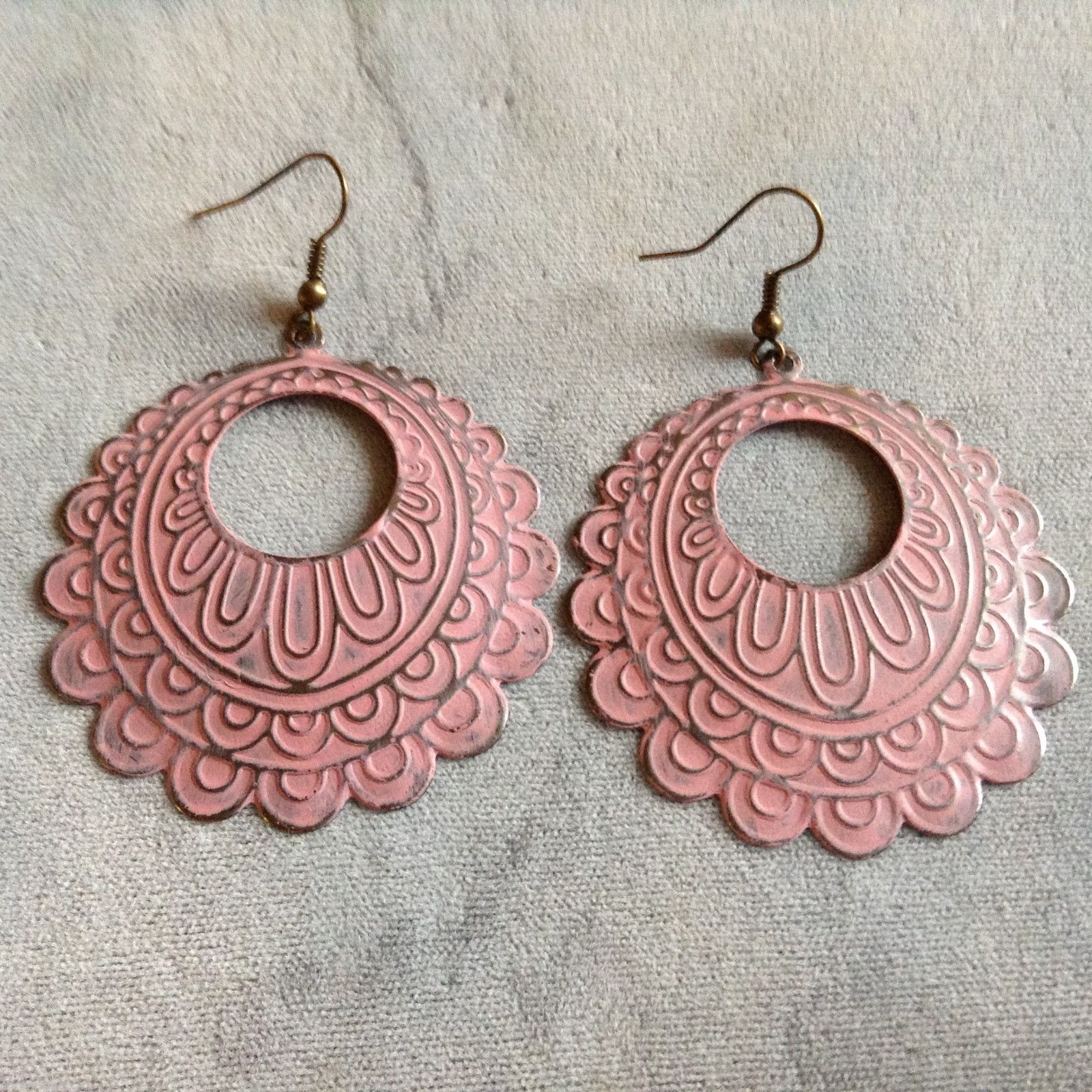 Gleeful Peacock Faded Light Pink Earrings, 4X4 inches