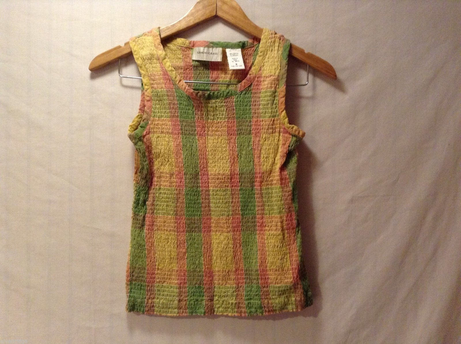 Womens Lemon Grass Plaid Sleeveless Top, Size Small