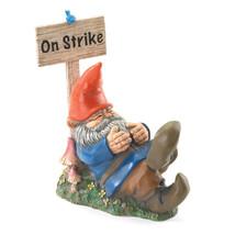 Gnome, Lawn Squatting Garden Gnome The Figurines - $23.13