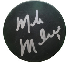 Dallas Stars Mike Modano Signed Autographed Hockey Puck Detroit Red Wings Proof - $79.19