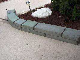 GE-7000 Garden Edging Lawn Landscape Molds (4) Make Stacked Concrete Walls Too image 5