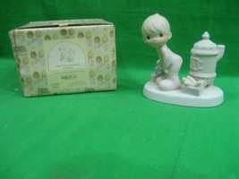 Precious Moments Figurine ~ May Your Christmas Be Warm ~ 1982 ~ E-2348 ~ - $15.85