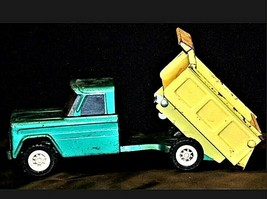 Vintage 1960s Structo Kom Pak Dump Truck Green and Yellow AA19-1431 image 1