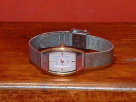 Pre-Owned Women's Skagen Steel Slim 327SGS Dress Watch - $23.76